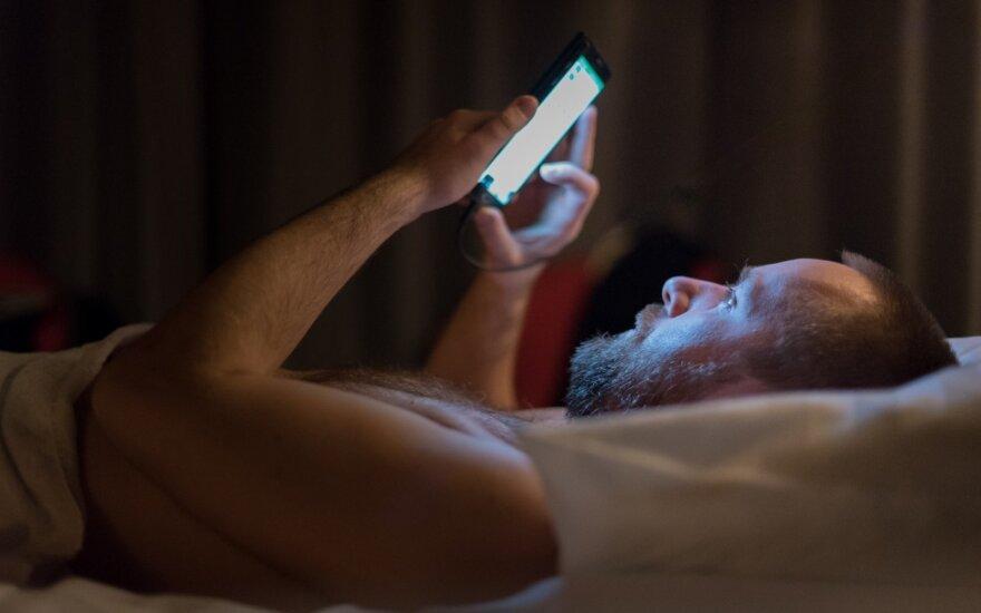 Žmonos telefone rasta nuotrauka atėmė žadą – jai tai tebuvo flirtas