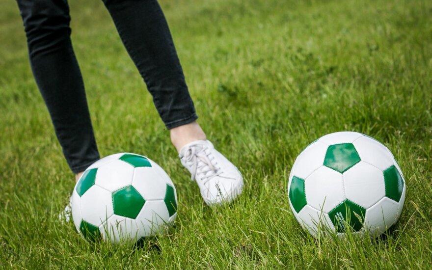 Mankšta žiūrintiems FIFA 2018 ir ne tik: 50 pratimų su futbolo kamuoliu