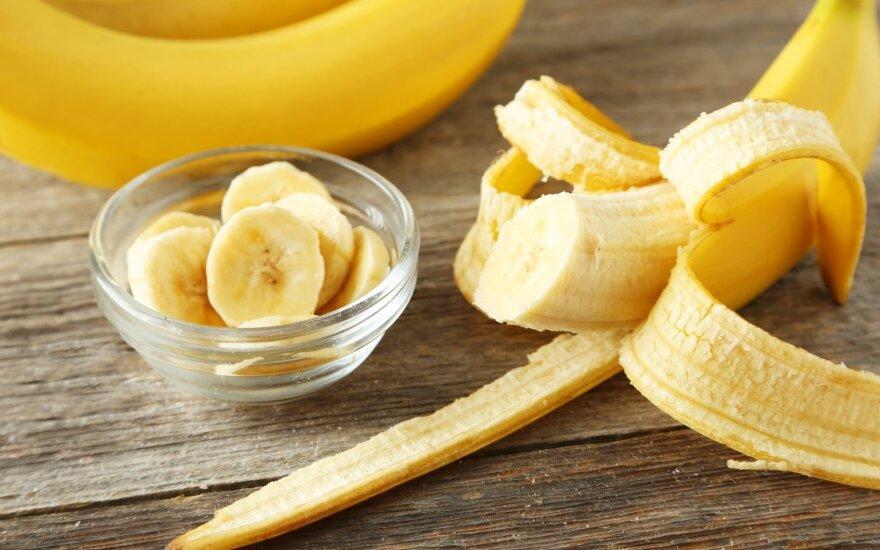 Kodėl apelsinų geriau nevalgyti rytais, o bananų – vakarais?