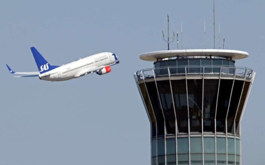 SAS lėktuvo lakūno kabinoje pasklidus dūmams, orlaivis buvo priverstas pakeisti kursą ir leistis Amsterdame