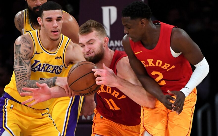 Darrenas Collisonas, Domantas Sabonis (viduryje)