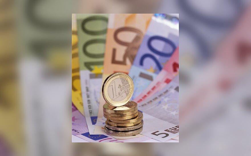 Pinigai, eurai, monetos, banknotai