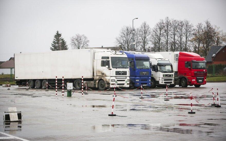 Kybartų kelio poste sulaikytas krovininis automobilis: vairavusiam rusui nustatytas sunkus girtumas