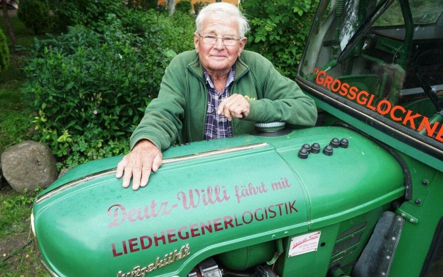 Neįtikėtina kelionė: pensininkas 1960 m. traktoriumi pervažiavo pusę Europos