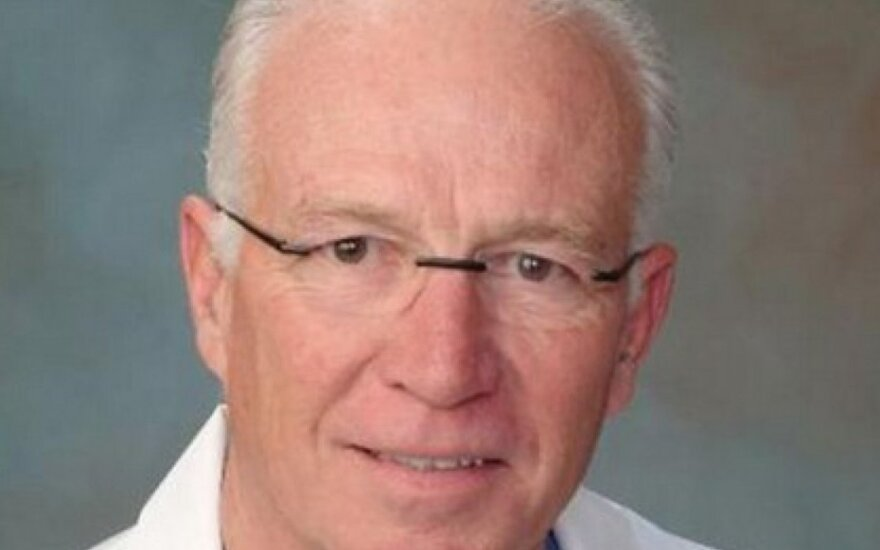 Gydytojas Dwightas Lundellas
