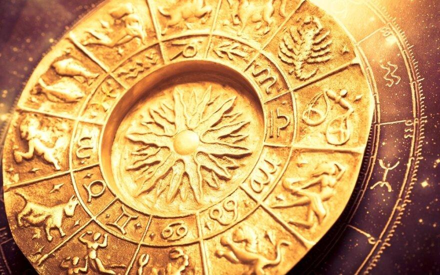 Astrologės Lolitos prognozė gegužės 21 d.: naujų pasirinkimų ir įdomių pažinčių diena