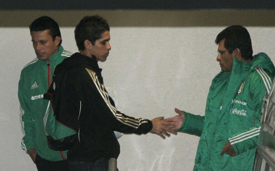 Davidas Cabrera (viduryje) ir treneris Luisas Fernando Tena (dešinėje)