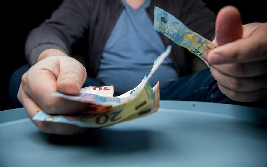 Įtariami sukčiai keliaus į teismą: padaryta žala – 400 tūkst. eurų