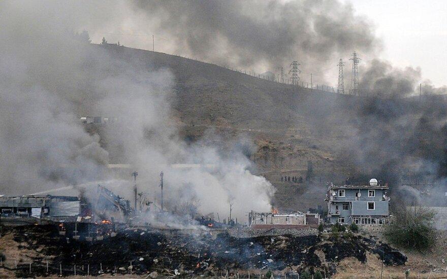 Turkijos aviacija sunaikino kurdų kovotojų taikinių pietryčių regione