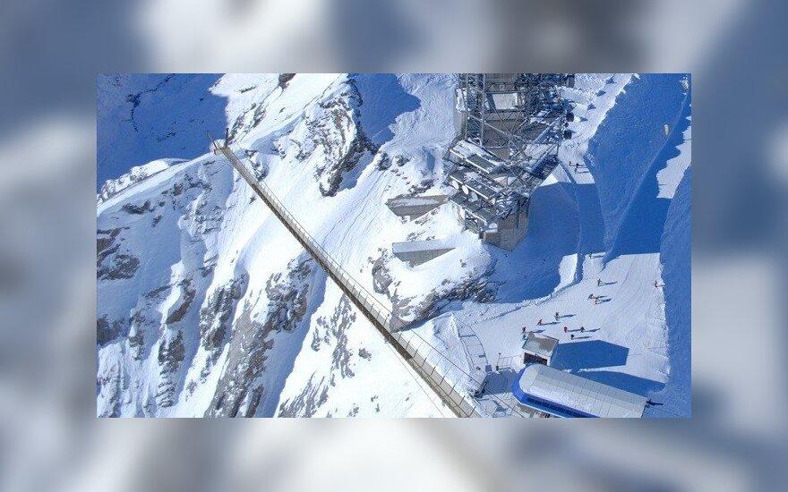 Pėsčiųjų tiltas Šveicarijos Alpėse