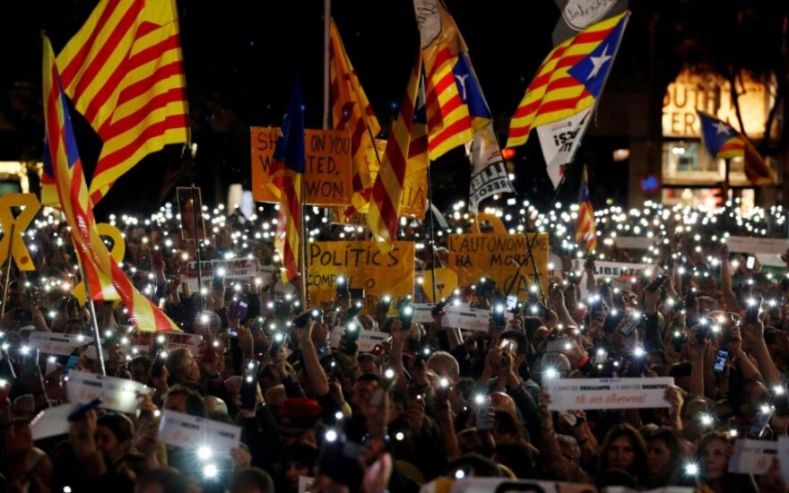 Katalonijos separatistai mini Jordi Sanchezo ir Jordi Cuixarto įkalinimo metines