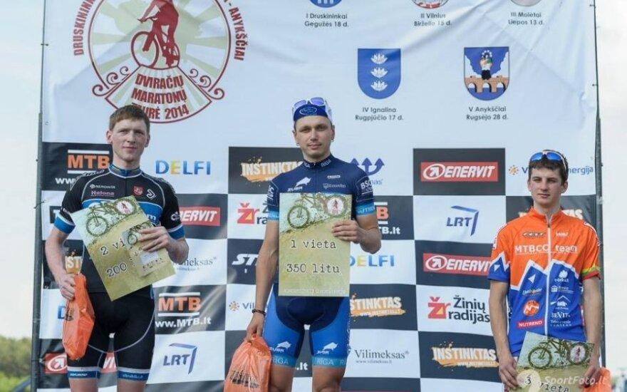 MTB dviračių maratono Druskininkų etapo nugalėtojas ir prizininkai (D. Lazausko nuotr.)