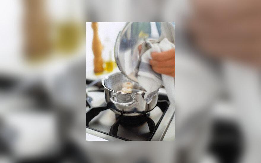 Virtuvė, puodai, maisto gaminimas