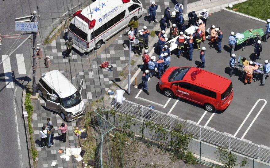 Japonijoje į darželinukų grupę įsirėžęs automobilis užmušė du vaikus, dar kelis sužeidė
