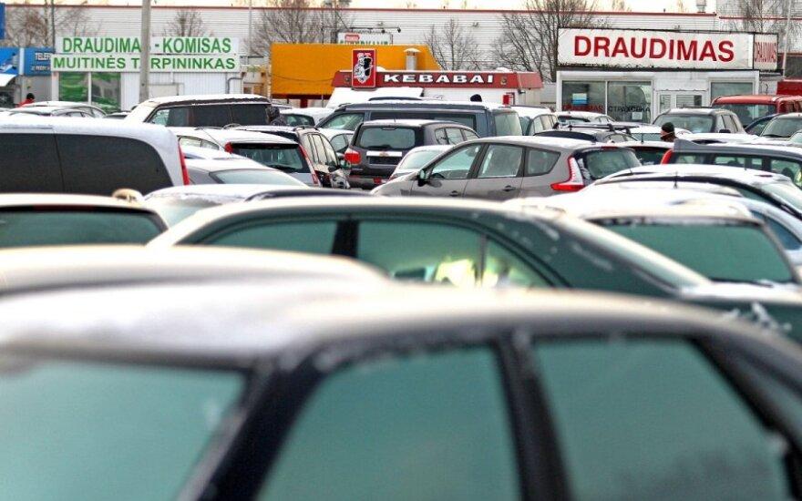 Sumažėjo automobilių civilinės atsakomybės draudimo kainos