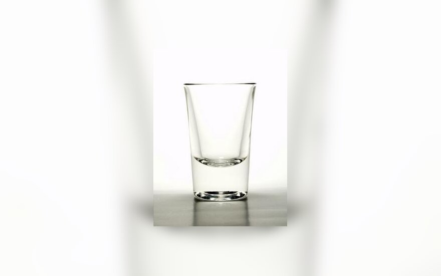 Alkoholis, taurelė, stikliukas