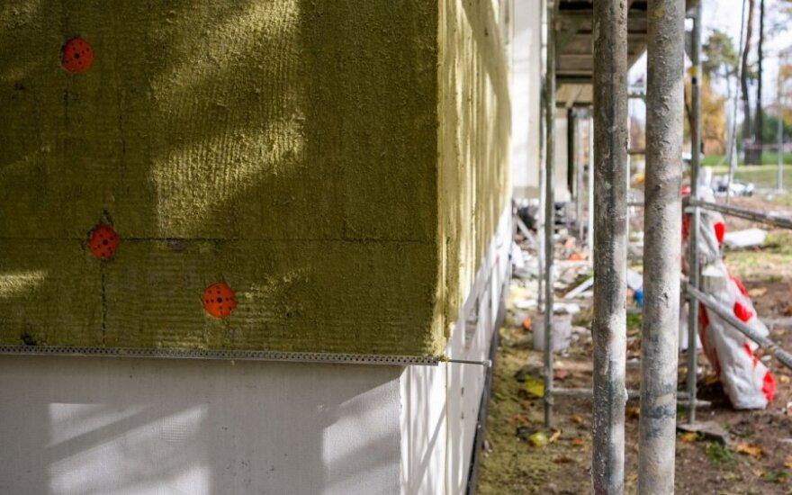 Apšiltinant sienas tenka pasirinkti, kokias medžiagas rinktis