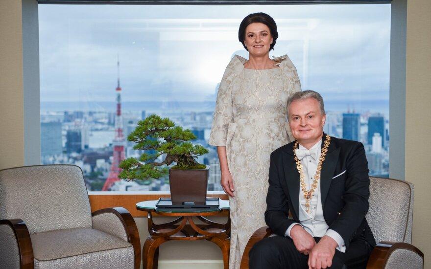 Nausėda sveikina į sostą įžengusį naująjį Japonijos imperatorių