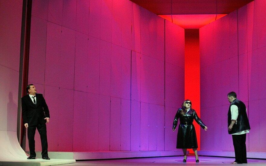 """Richardo Wagnerio operos """"Tanhoizeris"""" akimirka"""