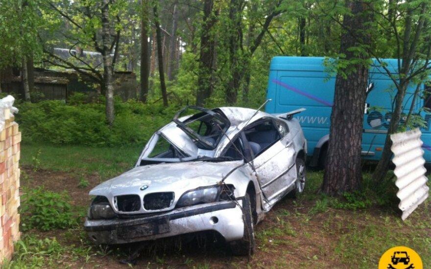 Latvijos sporto žvaigždės sudaužytas BMW