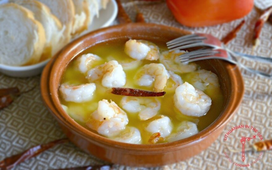 Krevetės ispaniškai – su alyvuogių aliejumi ir česnaku