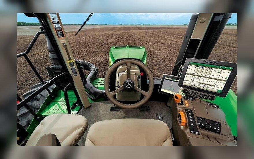 """""""John Deere"""" traktorius"""