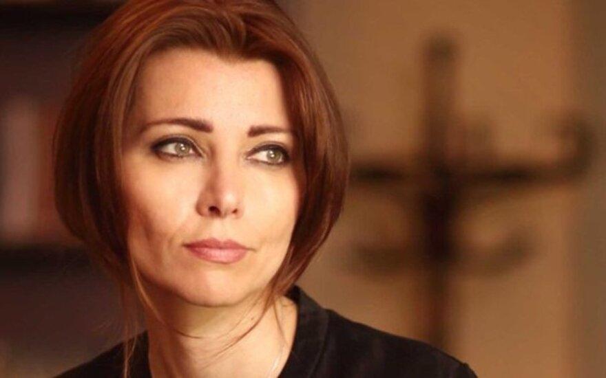 Rašytoja Elif Shafak: ilgomis ir nuobodžiomis popietėmis literatūra man padėjo išlikti