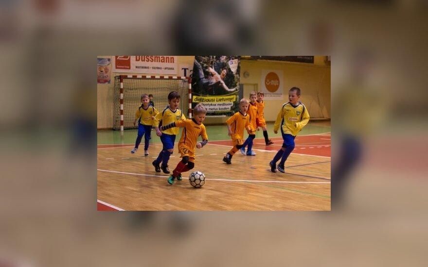 """Žaidžia SK """"Fortūna"""" ir """"Nevėžio-Pasakos"""" komandos (Eugenijaus Maldučio nuotr.)"""