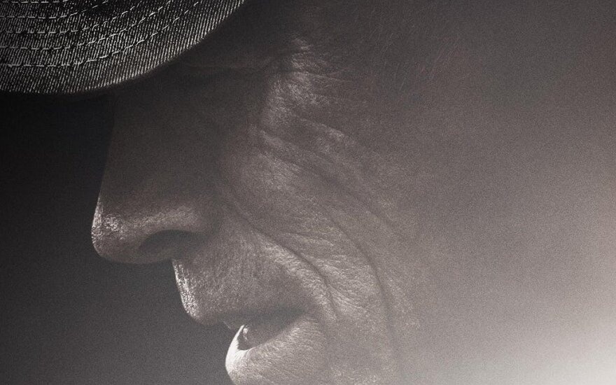 """Clintas Eastwoodas, kadras iš juostos """"Kurjeris"""""""