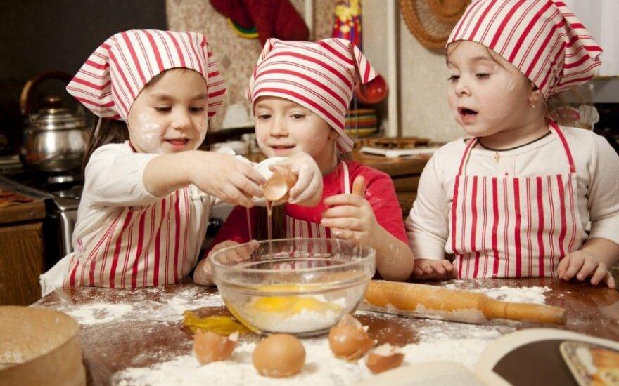 10 taisyklių, kaip įtraukti vaikus į maisto gamybą
