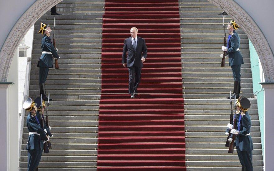 """""""Putinomika"""" pasiekė savo ribas: Rusijos laukia reformos ar stagnacija?"""
