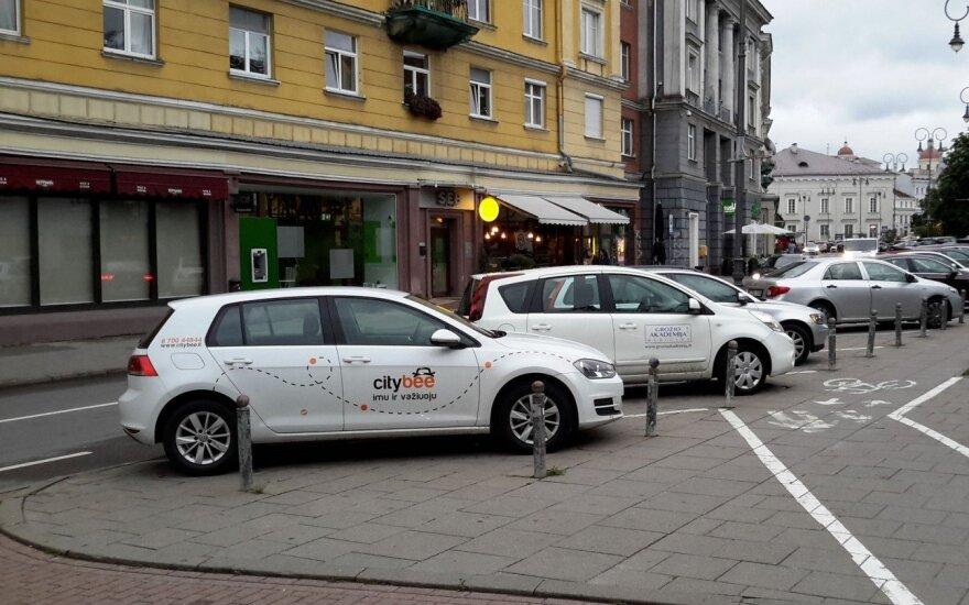 CityBee car on Vokiečių Str, Vilnius