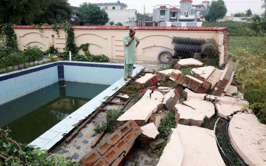 Pakistane žemės drebėjimo aukų padaugėjo iki 22, žala tebevertinama