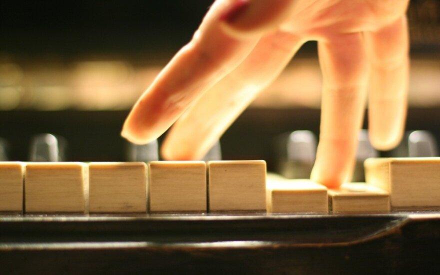 Ar žinote, kodėl grojant pirmaisiais pianinais tekdavo gerokai paprakaituoti?