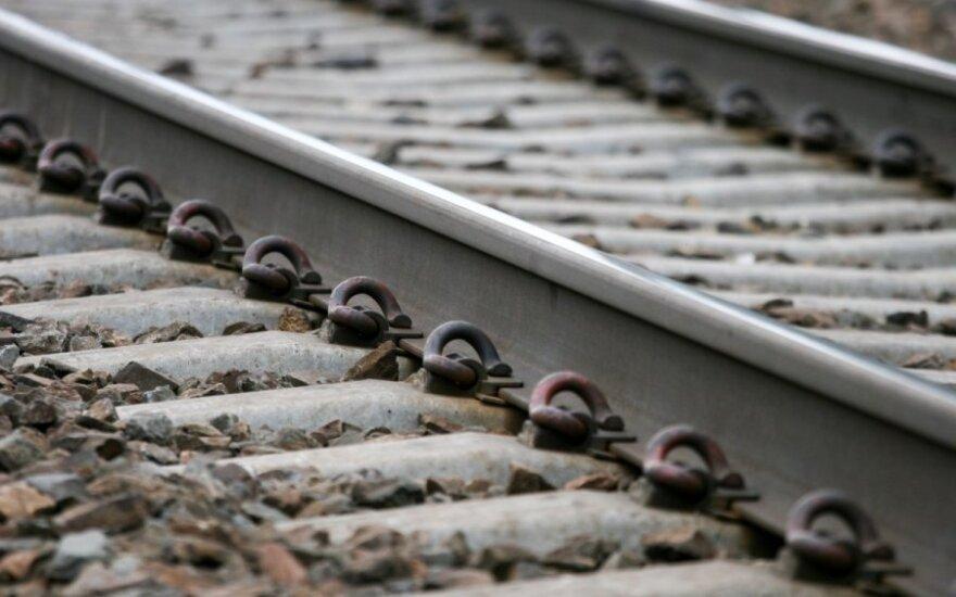Kaišiadoryse po traukinio ratais žuvo vyriškis