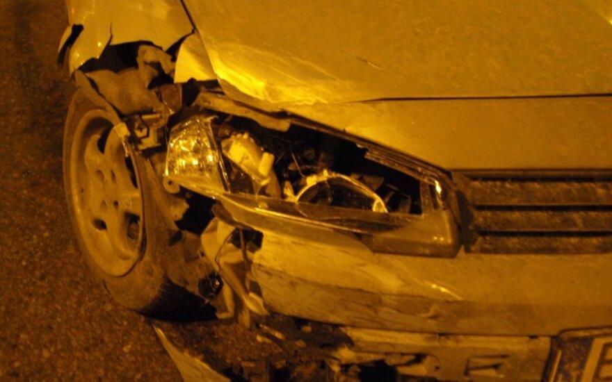 Kaune avarijos metu sužeista mergina