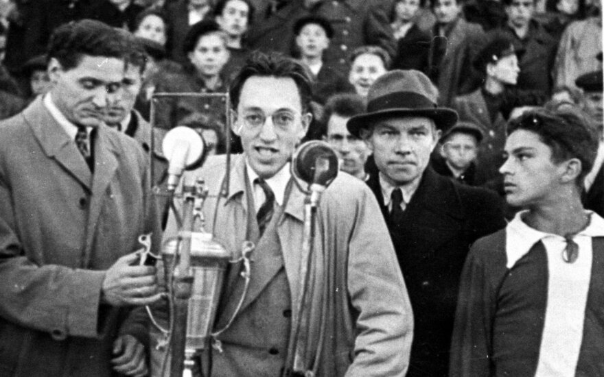 1947-ųjų metų taurės finalo organizatoriai / Foto: asmeninis Gedimino Kalinausko archyvas