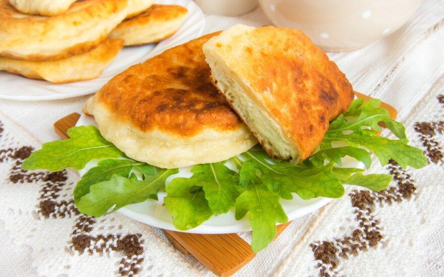 Bulviniai pyragėliai su šoninės įdaru