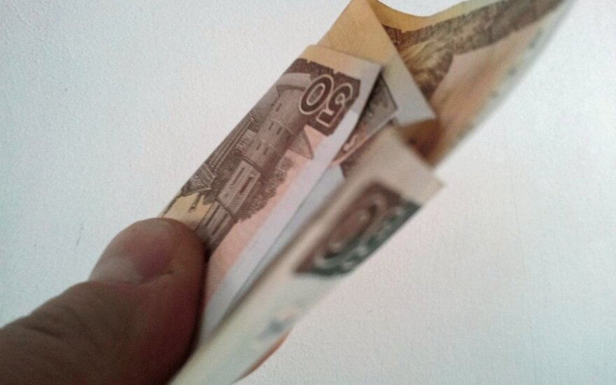 Grynieji pinigai nyksta