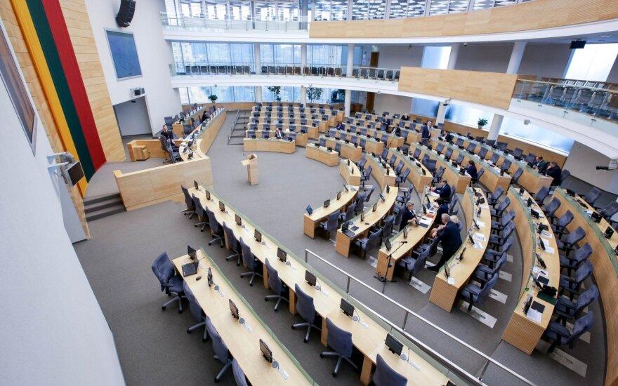 Parlamentarai neatleido Seimo kanclerės Daivos Raudonienės