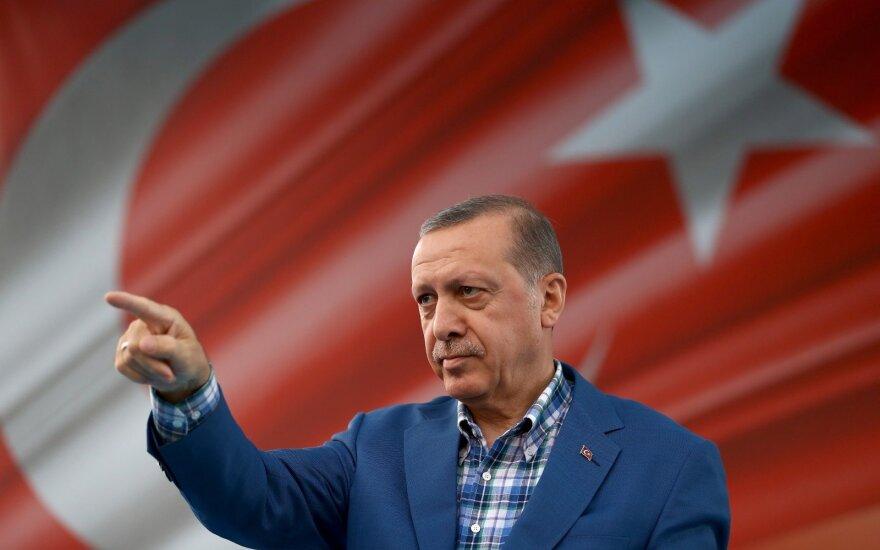 Turkijos valdžia atleido dar 10 tūkst. valstybės tarnautojų