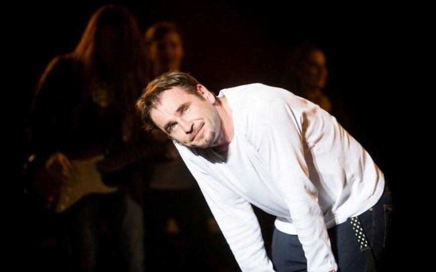 Anšlaginis M. Mikutavičiaus pasirodymas nudžiugino ne visus: koncertas ar žiūrovų užpakalių šou?