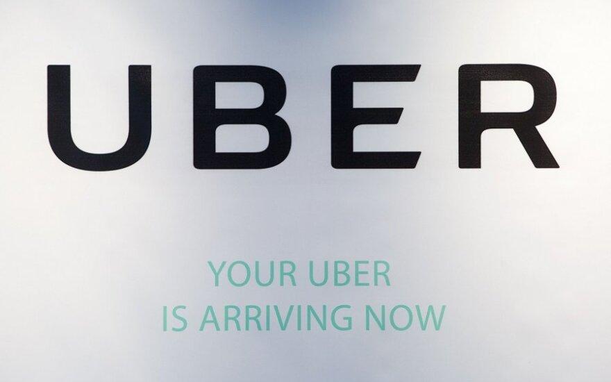 """Iš """"Uber"""" vairuotojų gali būti reikalaujama licencija"""