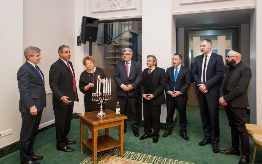 Lighting of the hanukkiah at the Presidential Palace