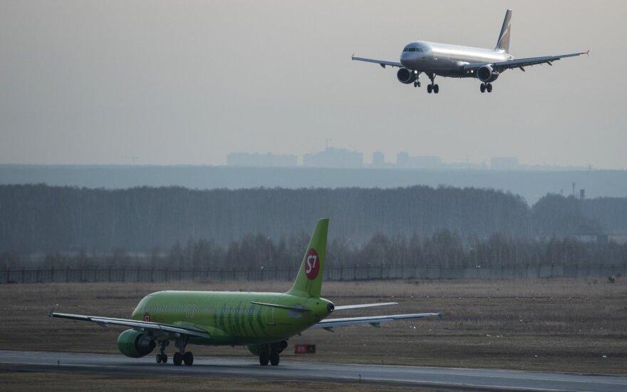 Rusijoje per susidūrimą su paukščiu apgadintas keleivinis laineris