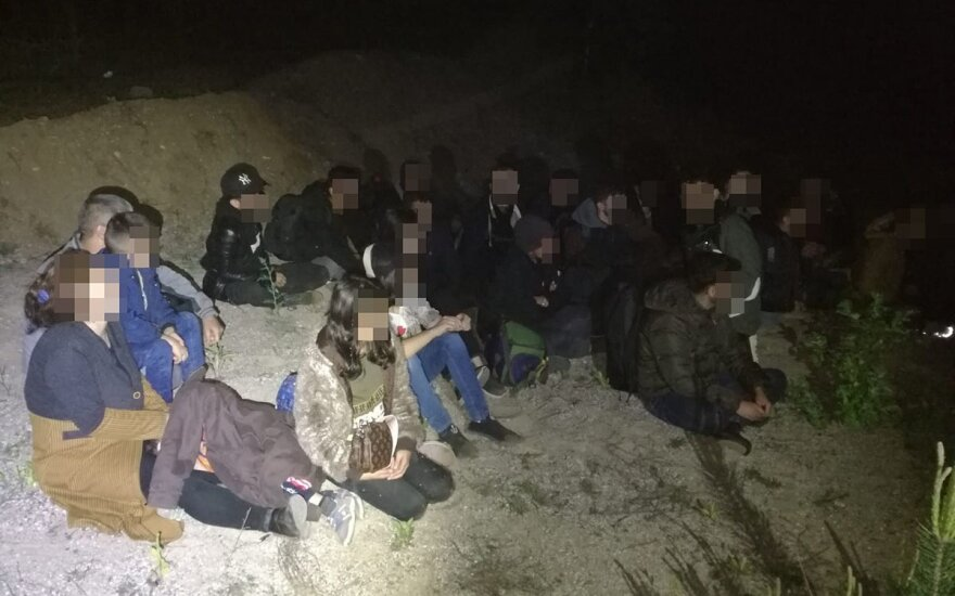 Nine illegal migrants detained after crossing from Belarus