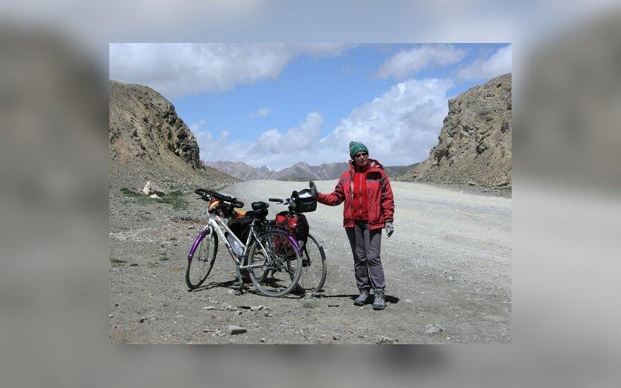 Nijolės Marcinkėnienės žygiai dviračiu. Kirgiztano kalnuose