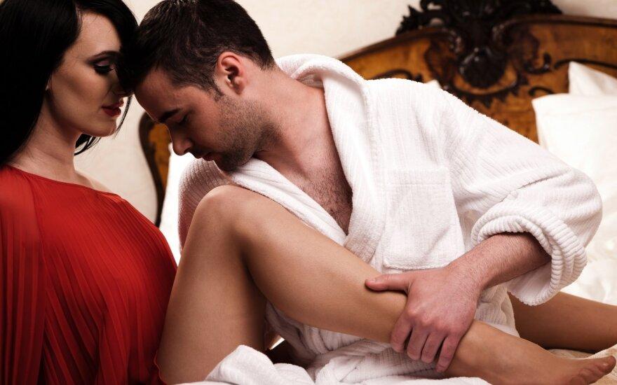 Pora susitiko viešbutyje.