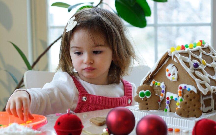 vaikas, mergaitė, Kalėdos, meduolinis namelis