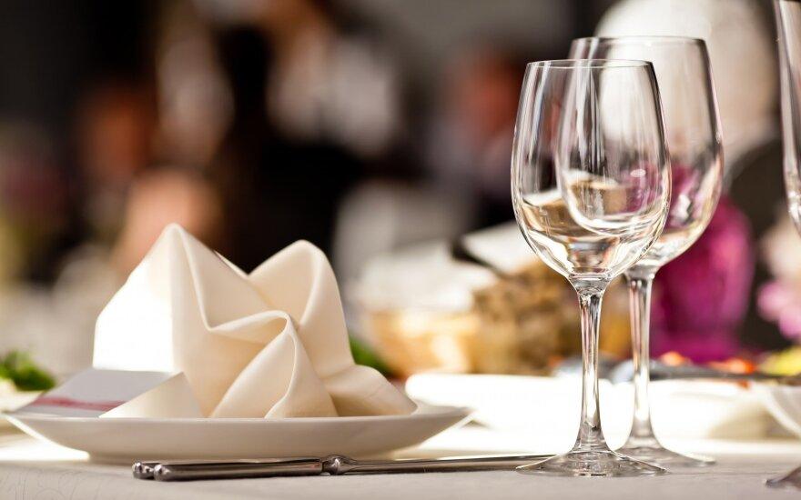 """Lietuvos restoranų kultūra – nuo Smetonos laikų puotų, valdžios prižiūrimų valgiaraščių iki šiuolaikinių """"Michelin"""" meistrų"""